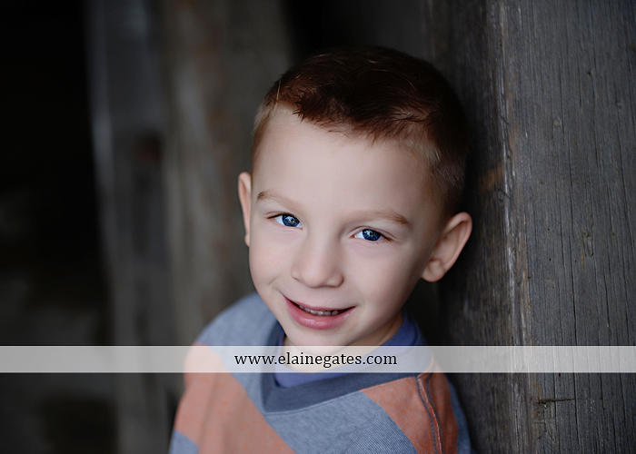 Mechanicsburg Central PA portrait photographer family outdoor kids father mother son daughter brother sister covered bridge holding hands kiss hug baby boy girl kkds 6