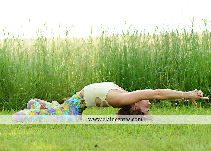 Mechanicsburg Central PA portrait photographer outdoor Qi Yo Oval Yoga mat mommayogini_83 road trees field grass sf 04