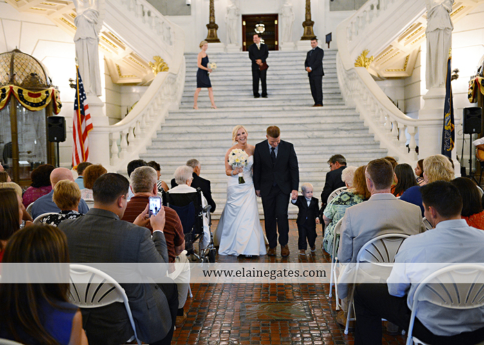 The Capital Rotunda Harrisburg pa wedding photographer the cake lady dukes riverside blue yellow white starlet 26