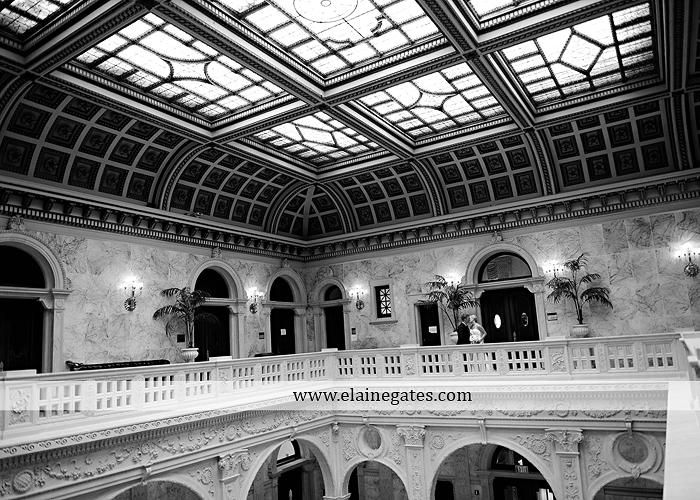 The Capital Rotunda Harrisburg pa wedding photographer the cake lady dukes riverside blue yellow white starlet 28