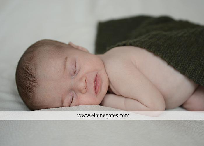 Mechanicsburg Central PA newborn baby portrait photographer girl sleeping indoor blanket sister mother jm 04