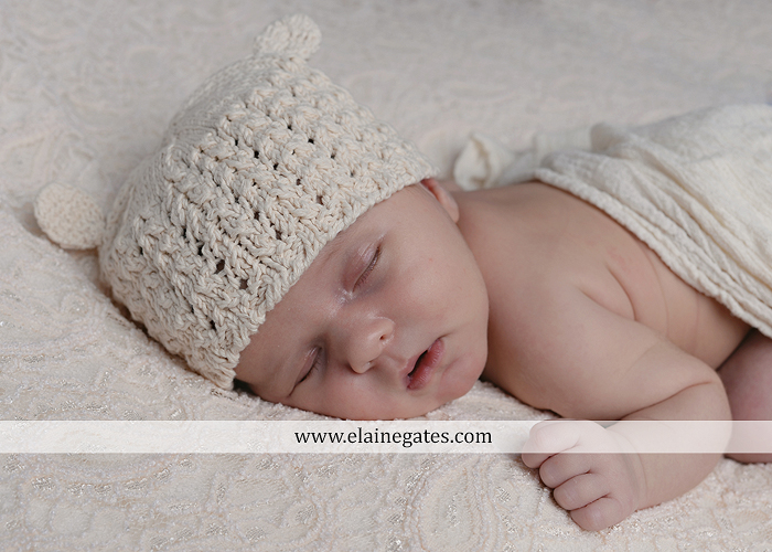Mechanicsburg Central PA newborn baby portrait photographer girl sleeping indoor blanket bow knit hat pail bowl chair dp 03