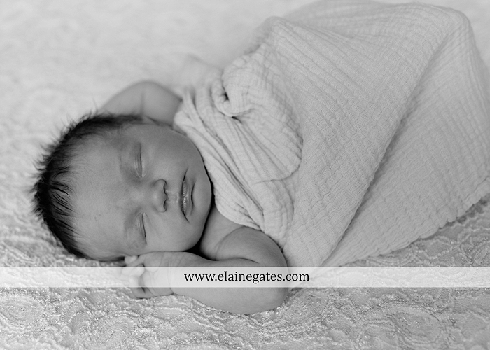 Mechanicsburg Central PA newborn baby portrait photographer girl sleeping indoor blanket brother bow tutu outdoor trees father mother family km 01