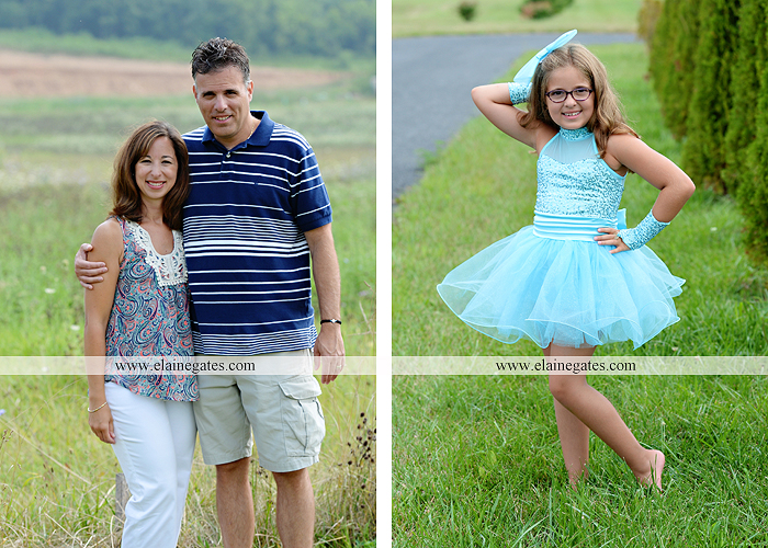 mechanicsburg-central-pa-family-portrait-photographer-outdoor-father-mother-brother-sister-son-daughter-field-siblings-extended-family-husband-wife-kids-children-baseball-dance-sf-11