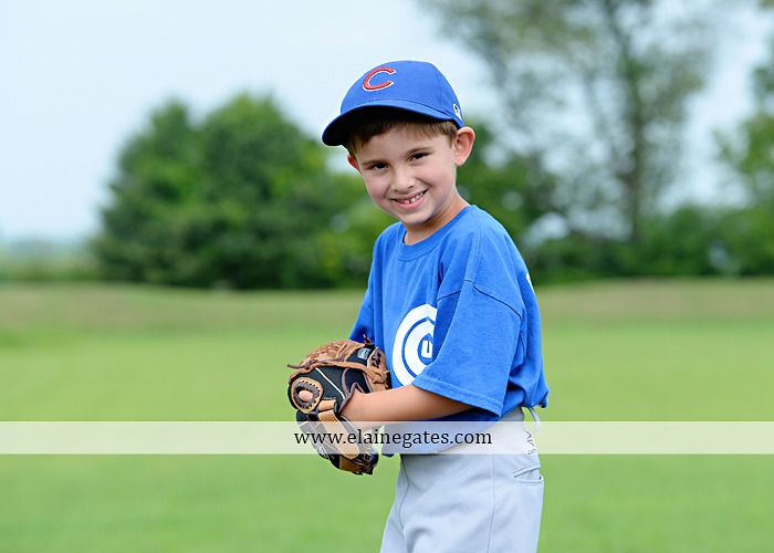 mechanicsburg-central-pa-family-portrait-photographer-outdoor-father-mother-brother-sister-son-daughter-field-siblings-extended-family-husband-wife-kids-children-baseball-dance-sf-12