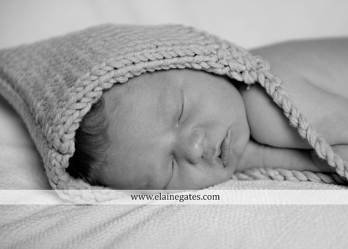 mechanicsburg-central-pa-newborn-baby-portrait-photographer-boy-sleeping-outdoor-family-mother-father-grandparents-indoor-blanket-knit-hat-ole-miss-basket-cp-11