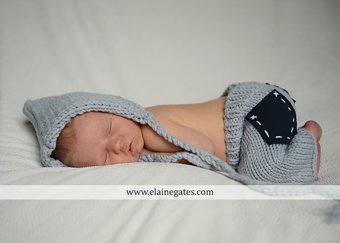 mechanicsburg-central-pa-newborn-baby-portrait-photographer-boy-sleeping-outdoor-family-mother-father-grandparents-indoor-blanket-knit-hat-ole-miss-basket-cp-12