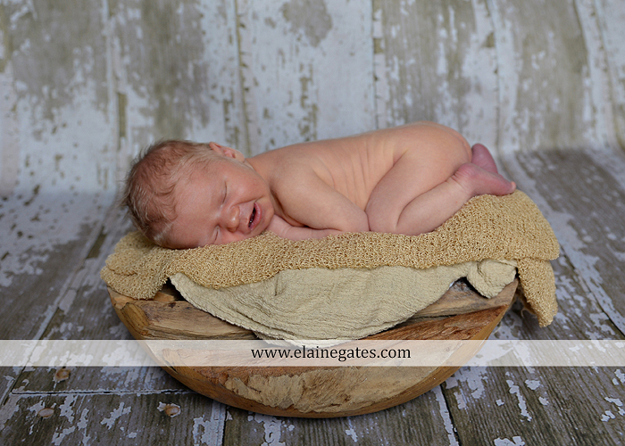mechanicsburg-central-pa-newborn-baby-portrait-photographer-boy-sleeping-outdoor-family-mother-father-grandparents-indoor-blanket-knit-hat-ole-miss-basket-cp-13