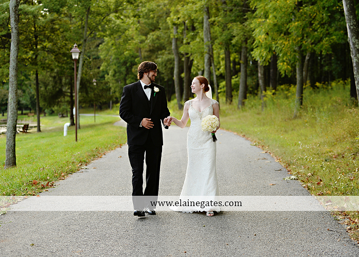 roundtop-mountain-resort-wedding-photographer-lewisberry-pa-atland-house-amys-custom-cakery-pealers-klock-entertainment-gowns-by-design-strictly-formals-maggie-sottero-the-jewel-box-zales17