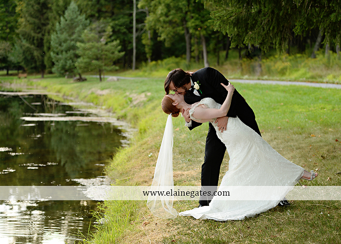 roundtop-mountain-resort-wedding-photographer-lewisberry-pa-atland-house-amys-custom-cakery-pealers-klock-entertainment-gowns-by-design-strictly-formals-maggie-sottero-the-jewel-box-zales22