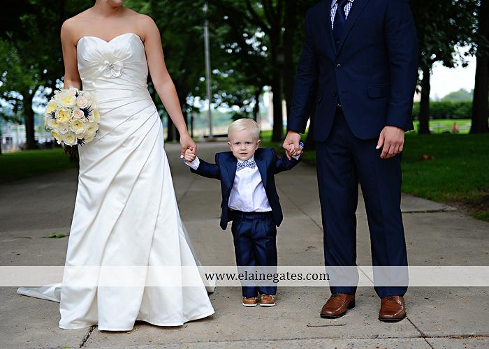 The Capital Rotunda Harrisburg pa wedding photographer the cake lady dukes riverside blue yellow white starlet 31