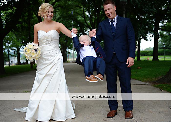 The Capital Rotunda Harrisburg pa wedding photographer the cake lady dukes riverside blue yellow white starlet 32
