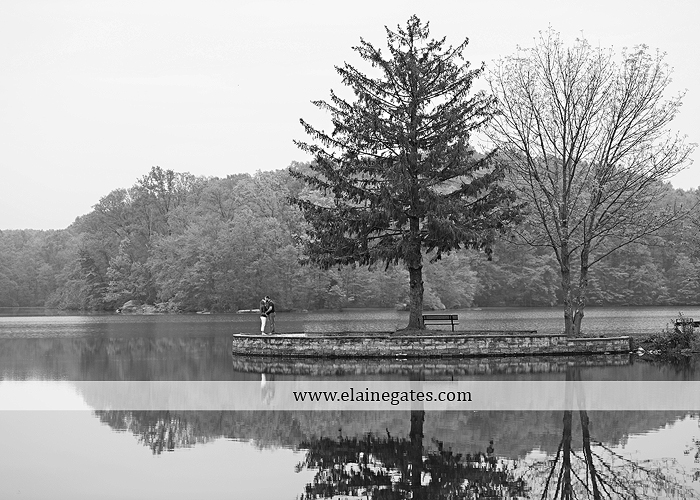 Mechanicsburg Central PA portrait photographer maternity outdoor field pinchot state park Lewisberry lake water boat dock holding hands kiss jb 8
