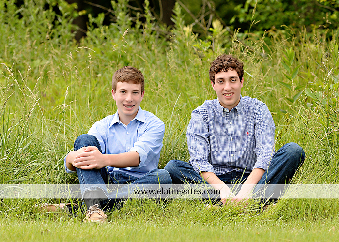 Mechanicsburg Central PA senior portrait photographer outdoor boy guy family brothers mom dad trees path field grass covered bridge messiah college track cross country running athlete at 03