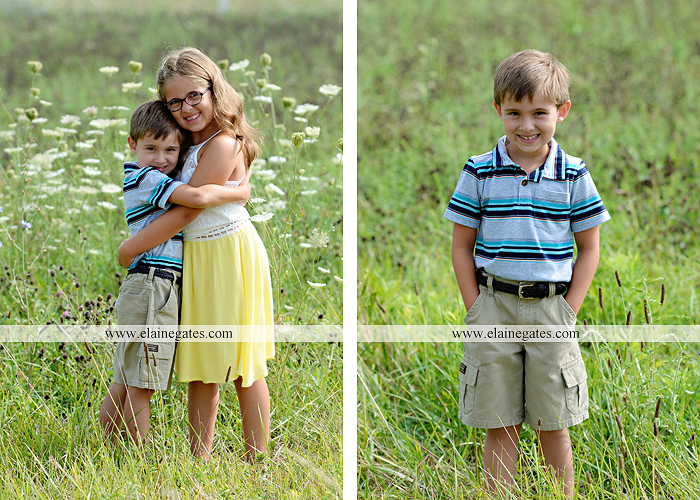 mechanicsburg-central-pa-family-portrait-photographer-outdoor-father-mother-brother-sister-son-daughter-field-siblings-extended-family-husband-wife-kids-children-baseball-dance-sf-03