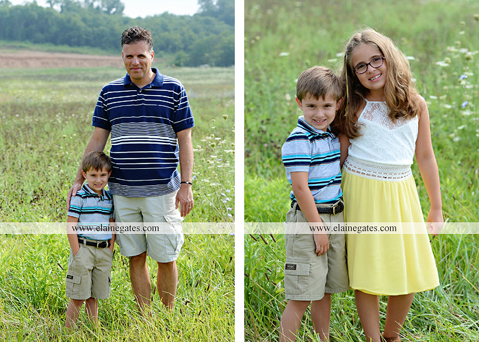 mechanicsburg-central-pa-family-portrait-photographer-outdoor-father-mother-brother-sister-son-daughter-field-siblings-extended-family-husband-wife-kids-children-baseball-dance-sf-07