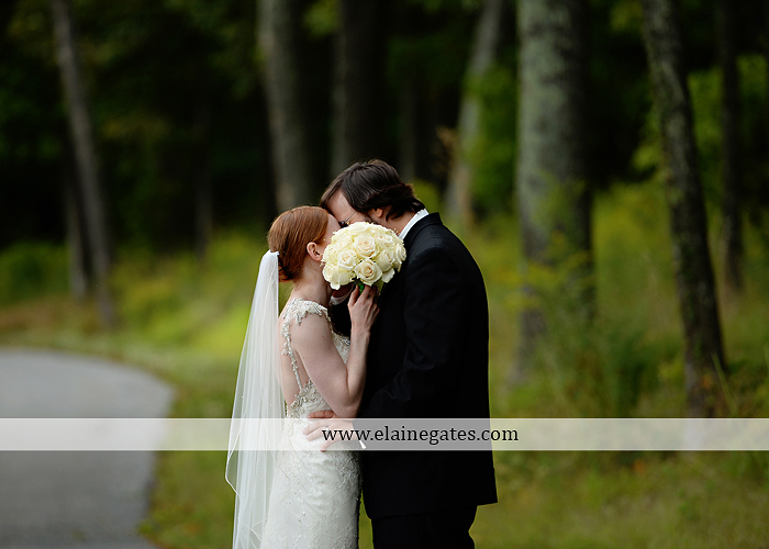 roundtop-mountain-resort-wedding-photographer-lewisberry-pa-atland-house-amys-custom-cakery-pealers-klock-entertainment-gowns-by-design-strictly-formals-maggie-sottero-the-jewel-box-zales25
