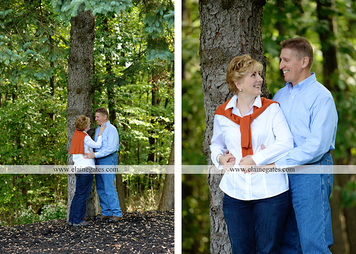 mechanicsburg-central-pa-family-portrait-photographer-outdoor-husband-wife-father-woods-trees-forest-hug-kiss-dogs-couple-love-family-sm-08